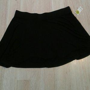 Dresses & Skirts - Black skirt plus size